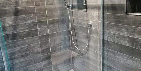 Wood effect porcelain floor tiles in shower